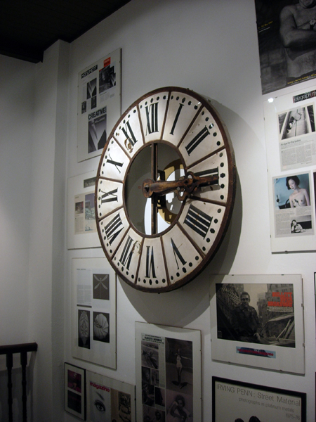 ClockWall.size.jpg